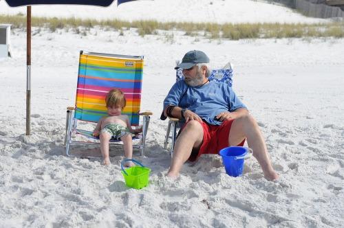 Beachmaxpapagerrelaxing2