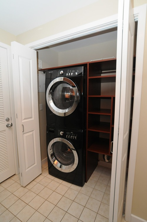 Condo_laundrypantry